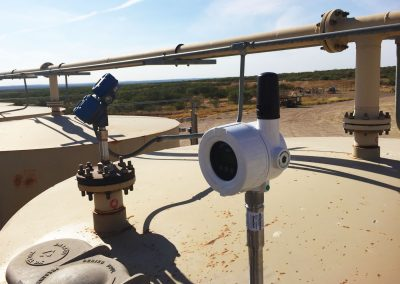 wireless tank level sensor for oil and gas